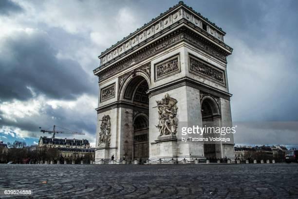 arc de triomphe, paris, 2017 - パリ凱旋門 ストックフォトと画像