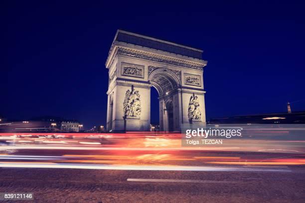 arc de triomphe, paris - avenue des champs elysees stock pictures, royalty-free photos & images
