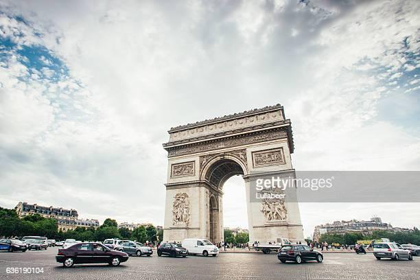 arc de triomphe - triumphal arch stock photos and pictures