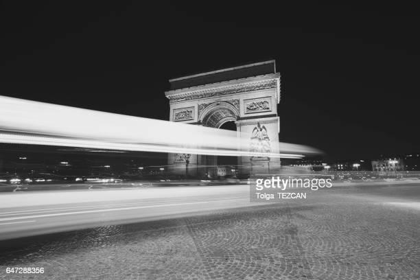 arc de triomphe  - paris noir et blanc photos et images de collection