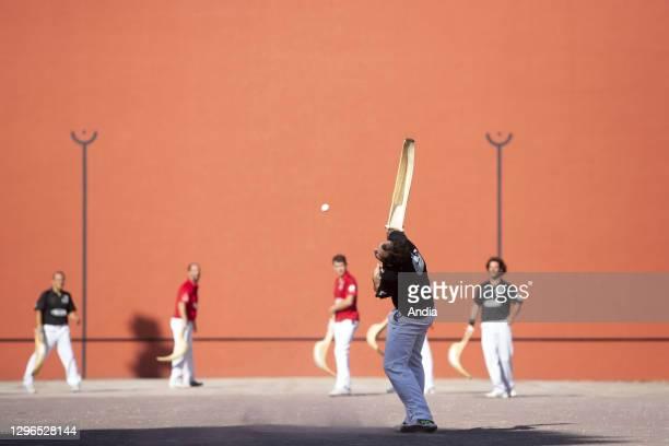 Arcachon : Basque pelota competition in summer.
