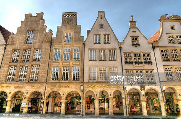 arcades on the prinzipalmarkt in münster - north rhine westphalia stock pictures, royalty-free photos & images