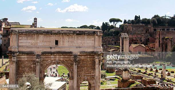 arch of septimius severus in roman forum - rome, italy - arch of septimus severus stock pictures, royalty-free photos & images