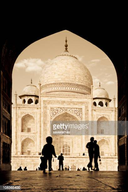 arch to the taj mahal - iranian culture stock photos and pictures