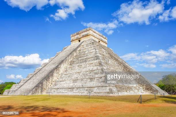 archaeological site kukulkan / el castillo , mayan pyramid of chichen itza mexico - latin american civilizations stock photos and pictures