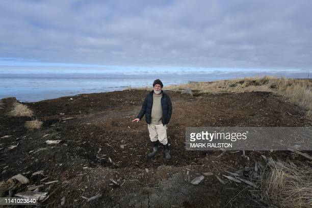 Archaeologist Rick Knecht at the excavation site bneside the Bering Sea where he is searching for Yupik Eskimo artifacts, near the town of Quinhagak...