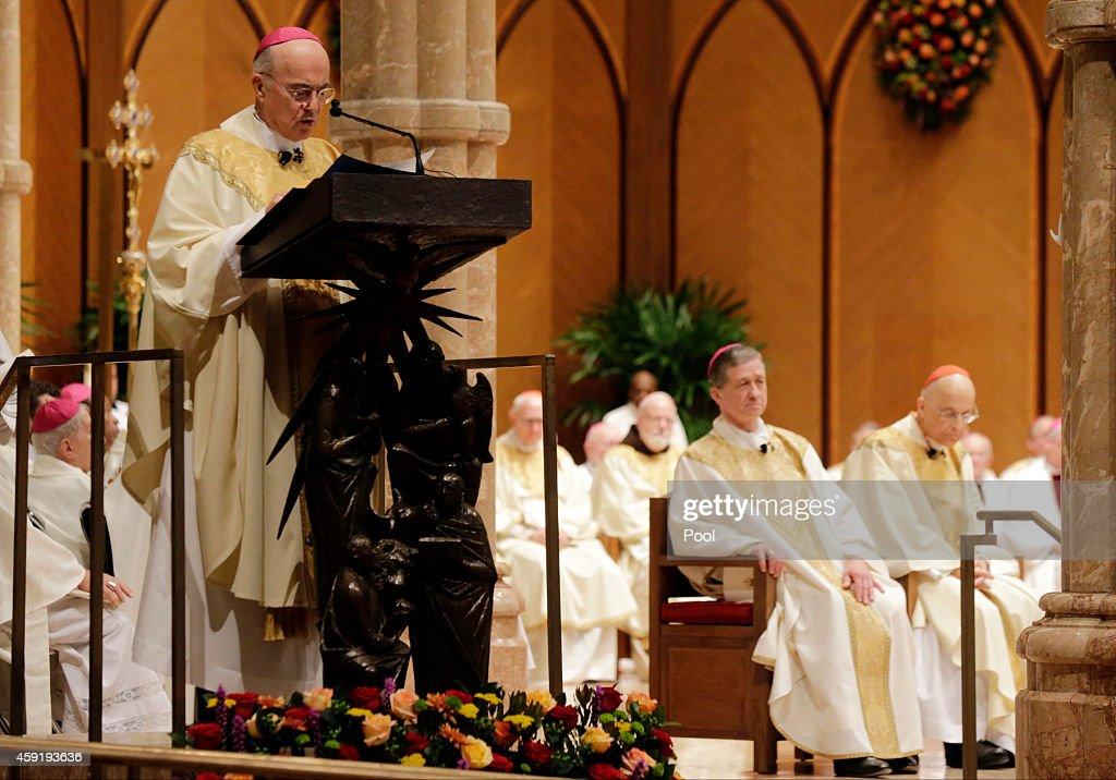 Blase Cupich Welcomed As Archbishop Of Chicago : Foto di attualità