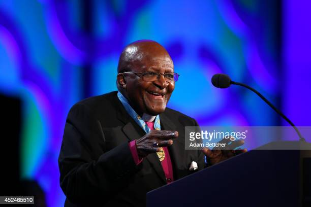 Archbishop Desmond Tutu takes the stage during the 2014 Starkey Hearing Foundation So The World May Hear Gala at the St Paul RiverCentre on July 20...