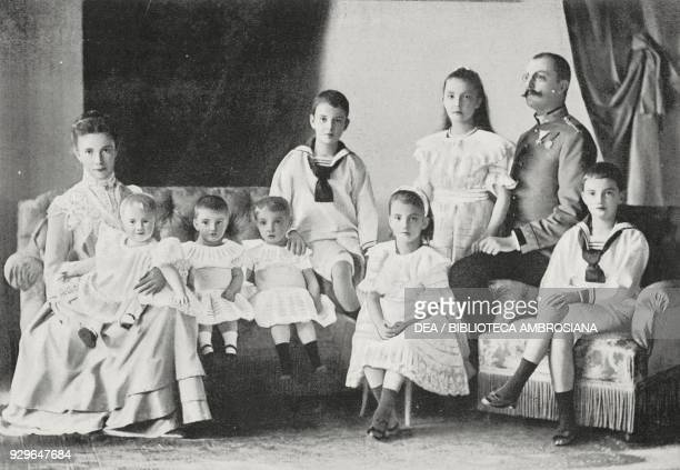 Archduke Franz Salvator of Austria with his wife Maria Valeria born Archduchess of Austria with seven of their ten children Le FigaroModes No 24...