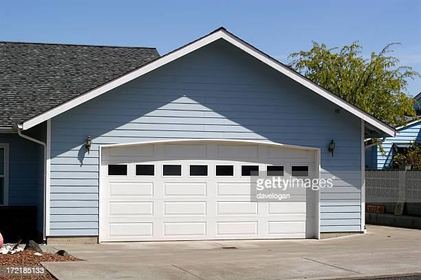 アーチ型のガレージのドアオープン