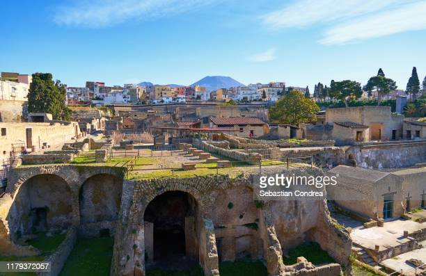 archeological site of herculaneum in naples, travel in italy. - ヘルクラネウム遺跡 ストックフォトと画像