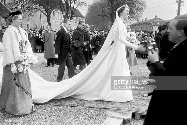 Archiduc Robert Of Habsburg Marries Princess Margherita Of Savoy-Aosta In Bourg-En-Bresse. Bourg-en-Bresse , France, 29 décembre 1953 --- A leur...