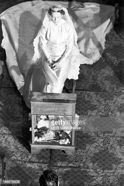 Archiduc Robert Of Habsburg Marries Princess Margherita Of Savoy-Aosta In Bourg-En-Bresse. Bourg-en-Bresse , France, 29 décembre 1953 --- En l'église...
