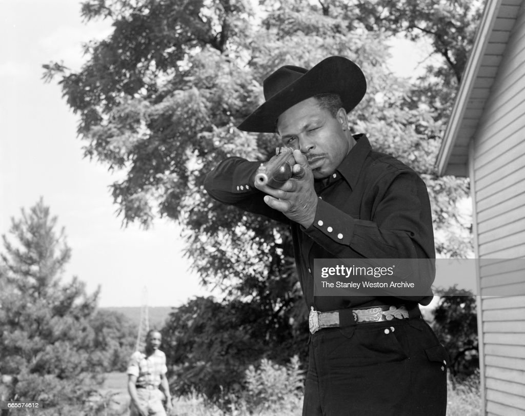 Archie Moore... : News Photo