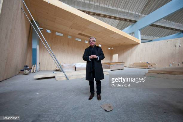 Architect Daniel Libeskind poses at the construction of the Academy of Jewish Museum on October 25 2011 in Berlin Germany The construction of the...