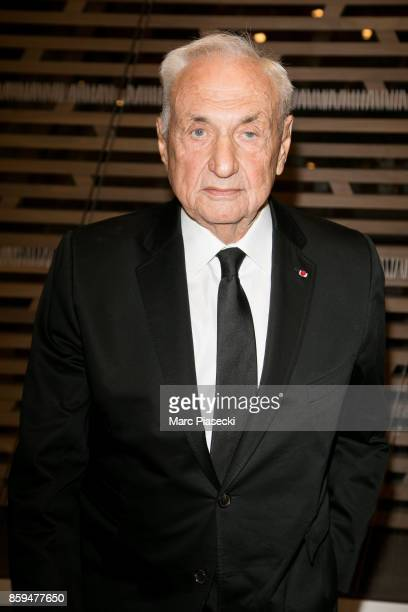 Architect Frank Gehry attends 'Etre Moderne Le MomA a Paris' exhibition at Fondation Louis Vuitton on October 9 2017 in Paris France