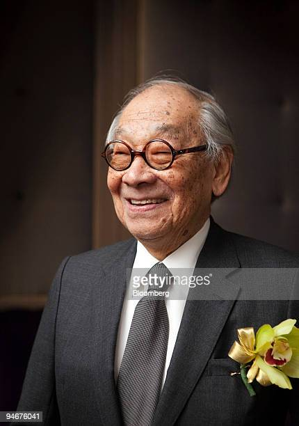 Architect IM Pei smiles during the 30th Anniversary Gala for the Museum of Chinese in America in New York US on Wednesday Dec 16 2009 Chinese...