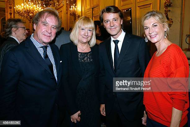 Architect JeanMichel Wilmotte his wife Francois Baroin and his companion Michele Laroque attend Xavier Darcos receives 'L'Epee d'Academicien' in...