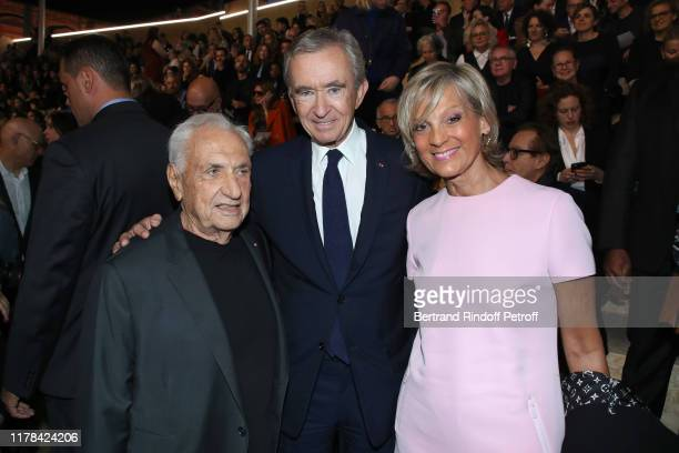 Architect of the Louis Vuitton Foundation, Frank Gehry, Owner of LVMH Luxury Group Bernard Arnault and his wife Helene Arnault attend the Louis...