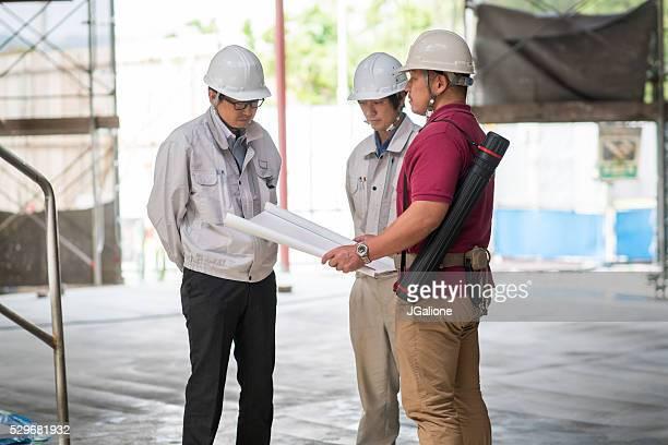 建築デザインを示す 建設 員