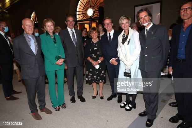 Architect Sir Norman Foster and his wife Elena Ochoa Foster, Bernd Knobloch, Charlotte Knobloch, Thaddaeus Ropac, Gloria von Thurn und Taxis, Pierre...