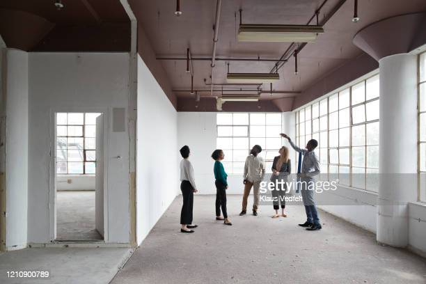 architect with business executives at workplace - 検査業務 開始の地 ストックフォトと画像