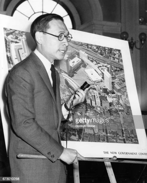 Architectplanner IM Pei explains the site plan and traffic patterns for the new Government Center and Scollay Square during a Boston Redevelopment...