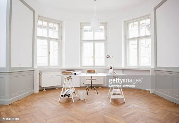 architect's table - デザインスタジオ ストックフォトと画像