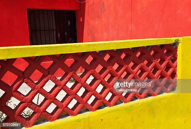 architectural detail of home on isla mujeres - mujeres fotos imagens e fotografias de stock