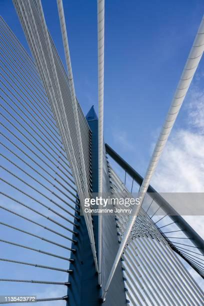 architectural details of modern bridge. seri wawasan bridge, putrajaya. - baumaterial stock-fotos und bilder