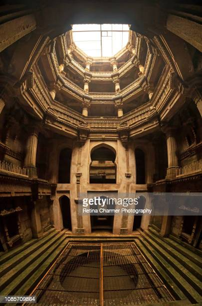 architectural features of adalaj vav stepwell, solanki architectural style, located in ahmedabad, gujarat. - ahmedabad stock pictures, royalty-free photos & images