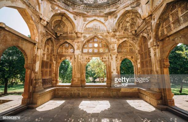 Architectural features of Champaner Jama Masjid.