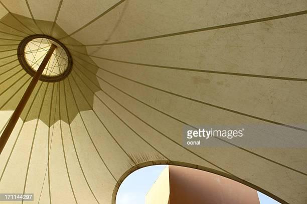 architektonische zelt - bogen architektonisches detail stock-fotos und bilder