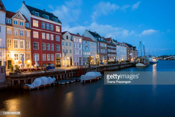 architecture and city lights in amsterdam, - north holland stock pictures, royalty-free photos & images