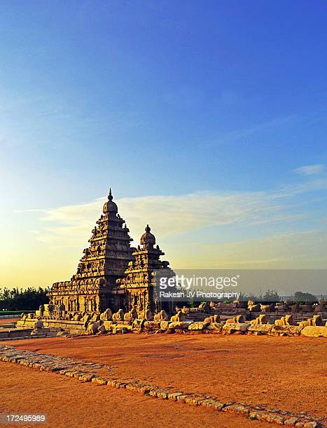 architecture begins where engineering ends - tamil nadu stock pictures, royalty-free photos & images