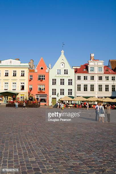 architecture in raekoja plats (town hall square), old town, unesco world heritage site, tallinn, estonia, europe - town hall square stock pictures, royalty-free photos & images