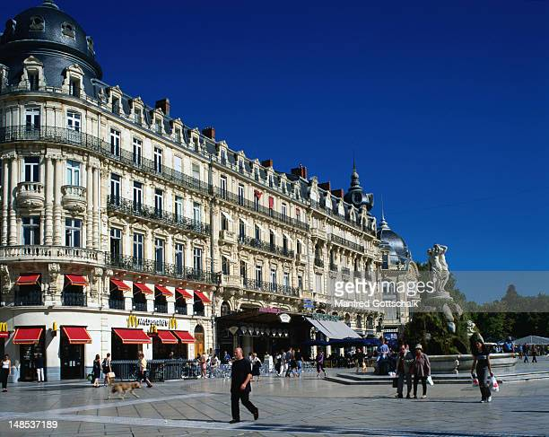 Architecture of the city that has a quarter of its population made up of students, the university itself is celebrated for its faculties of law, science, literature and espacially its medical faculties - Montpellier, Languedoc