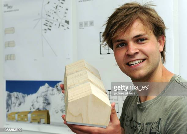 Architecture student Manuel Kaemmerer presents his design for a new station building for the research base AWIPEV in NyAlesund on Spitzbergen in...