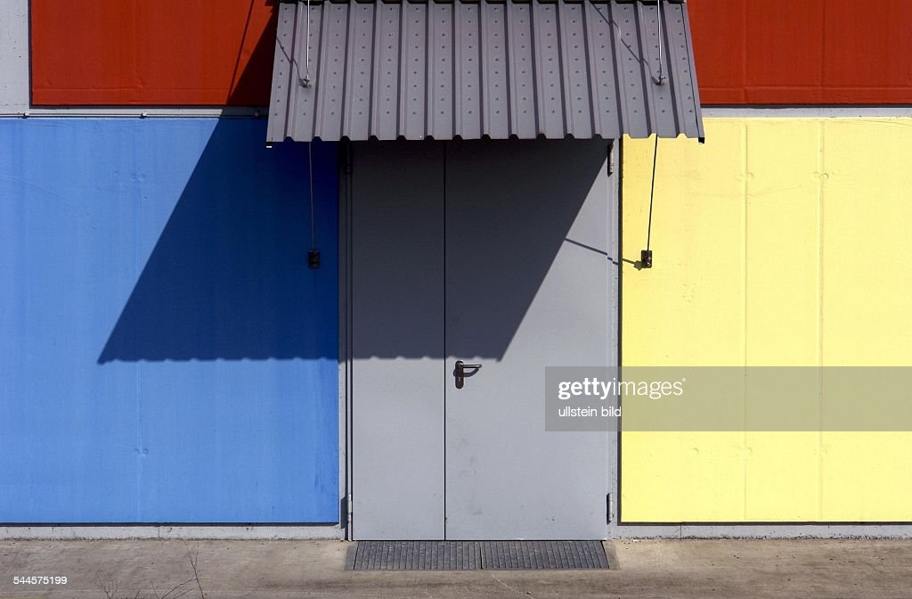 Fassade Gelb bunte fassade pictures getty images