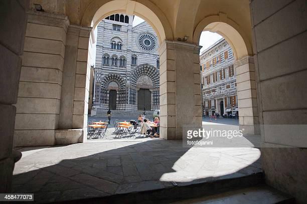 archs con cattedrale di san lorenzo in background - fotofojanini foto e immagini stock