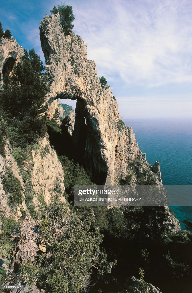 Arco Naturale (natural arch) near Matermania cave : News Photo