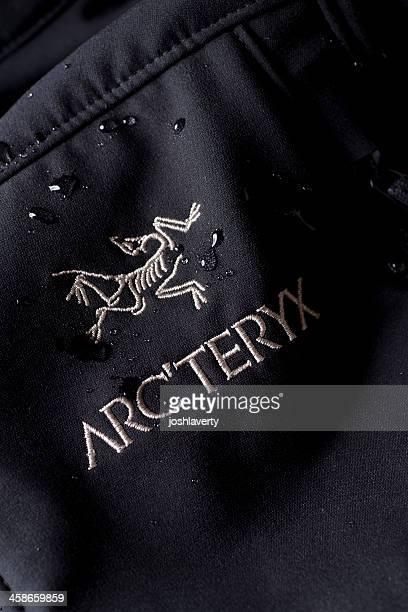 Arcteryx Logo Wasser Tropfen