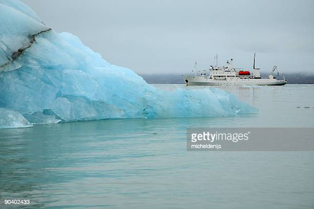 arctic cruise ship - ship stock pictures, royalty-free photos & images
