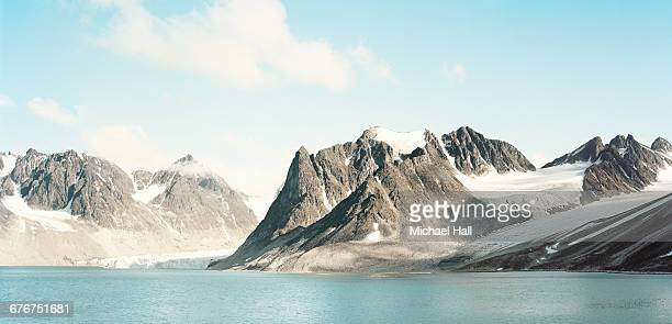 arctic glaciers - spitsbergen stock pictures, royalty-free photos & images