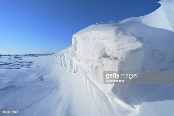 arctic ice on baffin island, nunavut, canada - poolklimaat stockfoto's en -beelden