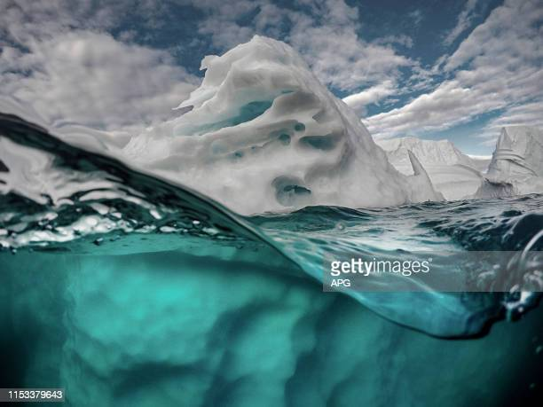 arctic iceberg - berg stock pictures, royalty-free photos & images