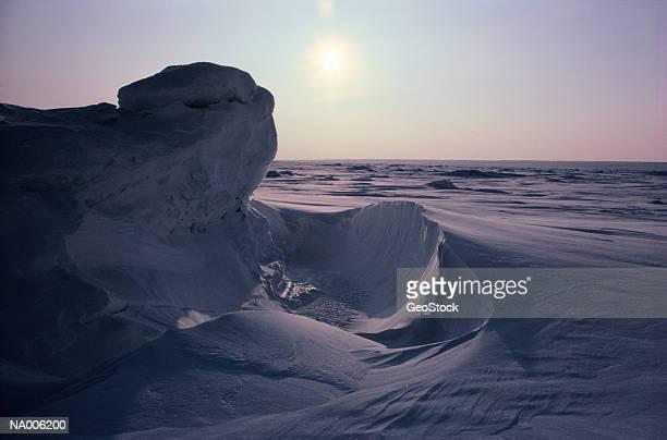 arctic scene - wasserform stock-fotos und bilder