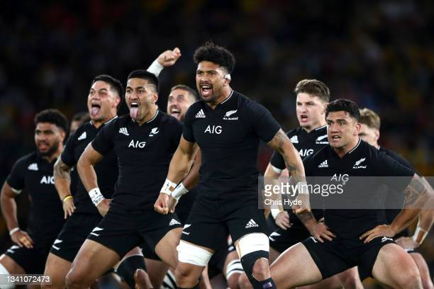 Ardie Savea and the All Blacks perform the haka ahead of The Rugby Championship match between the Argentina Pumas and the New Zealand All Blacks at...