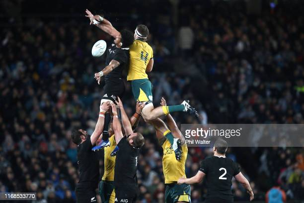Ardie Savea of the All Blacks takes lineout ball with Izack Rodda of the Wallabies during The Rugby Championship and Bledisloe Cup Test match between...