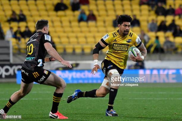 Ardie Savea of the Hurricanes during the round 9 Super Rugby Aotearoa match between the Hurricanes and the Chiefs at Sky Stadium on August 08, 2020...